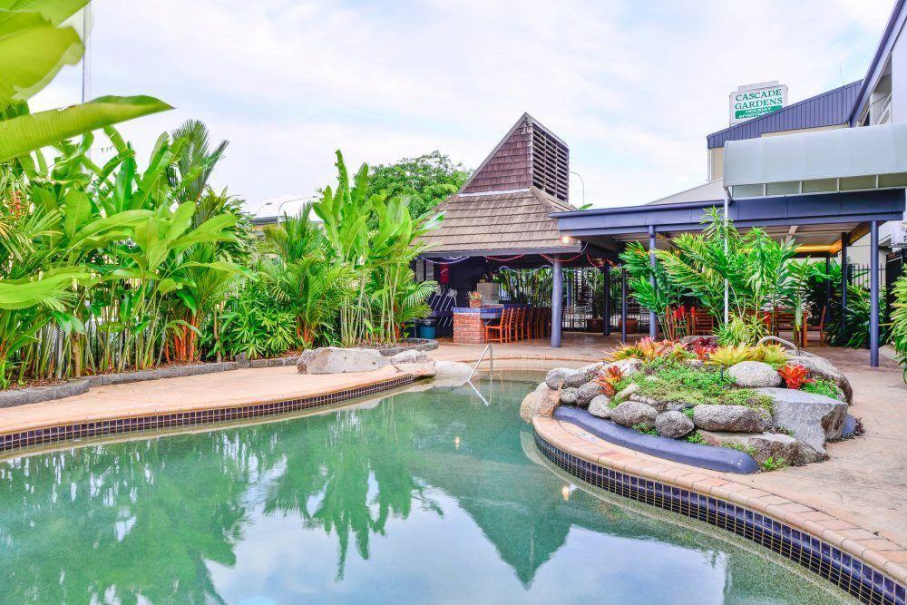 guest reviews cascade gardens. Black Bedroom Furniture Sets. Home Design Ideas